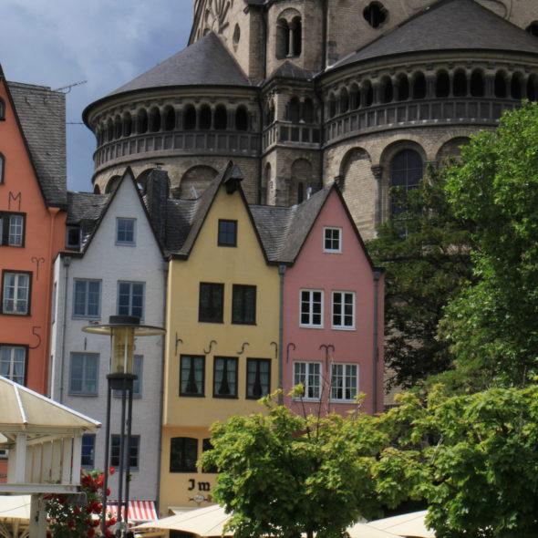 Bunte Häuser der Kölner Altstadt